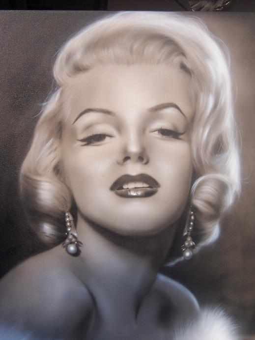 Ms Marilyn Monroe 24x30 in air brush art by Chuy Ortega